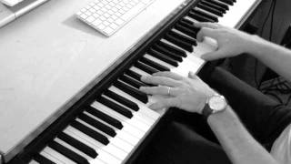 """Greatest (perhaps;-) Piano Version of """"Bridge of Light"""" by Pink"""