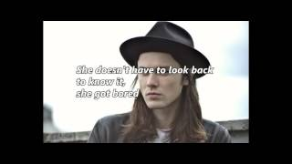 Best Fake Smile by James Bay [with lyrics]