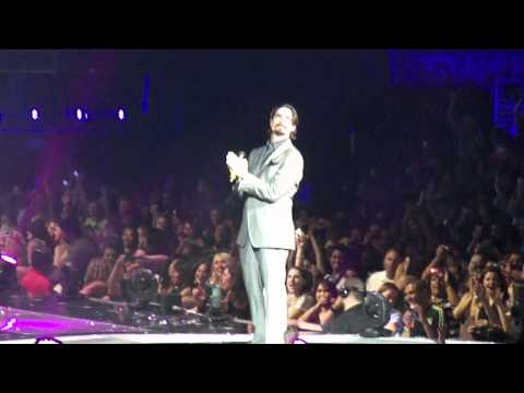 backstreet-boys-i-want-it-that-way-with-kevin-richardson-staples-center-7-1-11-bsbleo03