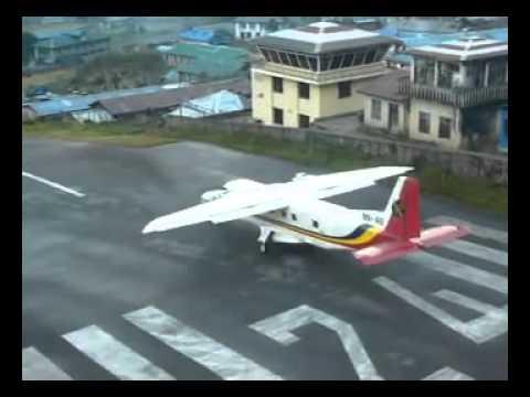 Aterrizaje y un despegue en Lukla