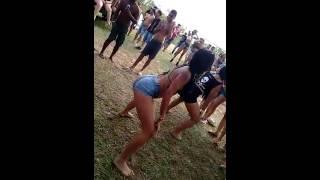 Mulheres dançando funk
