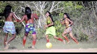 Peladas do Brasil: o futebol e a corrida de tora dos índios krahô