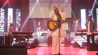 Todd Dulaney sings In Twi - (Tumi Wo)
