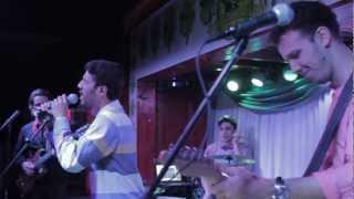 "Radial live @ Logans - ""Corre"""