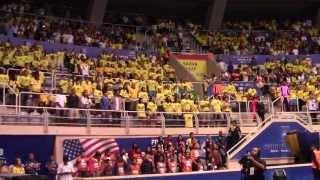 Hino nacional cantado pela torcida no Maracanãzinho