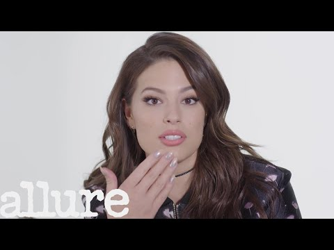 Ashley Graham Has the Most Organized Little Purse You?ll Ever See | Allure