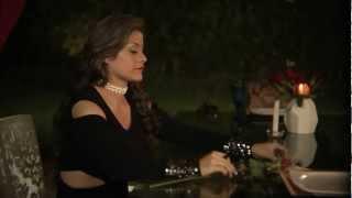 Qudate Con Ella-VIDEO OFICIAL-Francy La voz popular de America.wmv