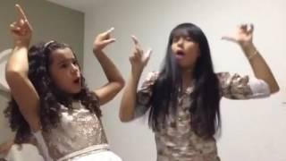 Cantoria, Cinthia Cruz e Gabriela Saraivah cantando Manu Gavassi.