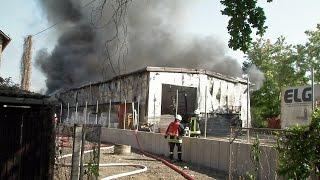 Großbrand in Pirna zerstört Lagerhalle