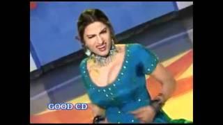 Saima Khan Mujra Boobs