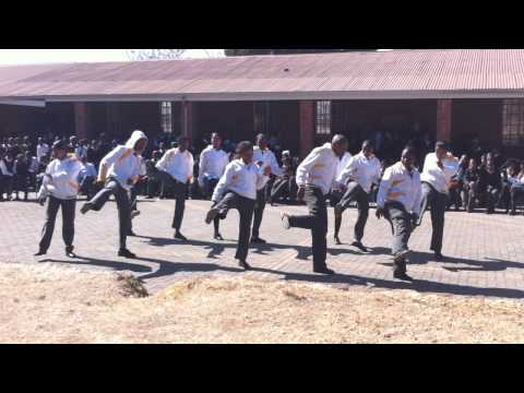 Orlando West High School (Soweto) Waka Waka Dance
