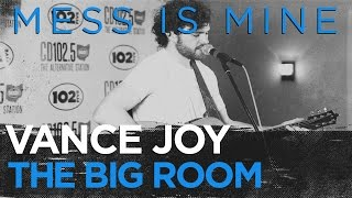 "Vance Joy ""Mess Is Mine"" live in the CD 102.5 Big Room"