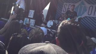 "SET IT OFF - ""WHY WORRY"" LIVE (WARPED TOUR 2016)"