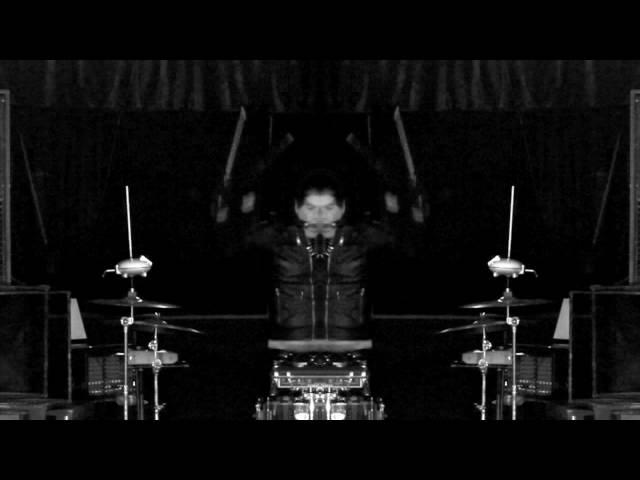 """Videoclip oficial de la canción """"Dark Mayday"""" de Ramos Dual."""