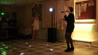 Survivor / I will Survive ( Glee/Destiny's Child/ Gloria Gaynor - cover by Alice and Becky)