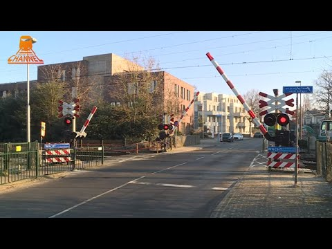 DUTCH RAILROAD CROSSING - Bussum - Gooibergstraat photo