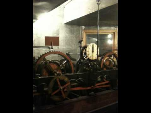 L'viv, Ukraine – Town Hall clock tower ringing bells @ 1200