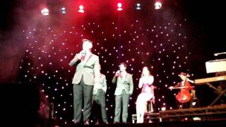 Barry Manilow Medley ...Milton Keynes Jonathan Ansell & Friends 065.avi