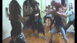 Bailarenas Reggaeton Bela (Hoy- Daddy Yankee ft Farruko)