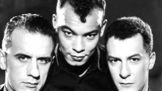 Fine Young Cannibals - Funny How Love Is - Original Version