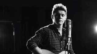 """Niall Horan Drops Debut SOLO Single """"This Town"""""""