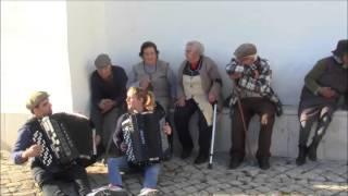 Vera Rogado, Ricardo Laginha e Companhia - Moda à Antiga
