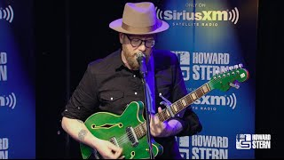"""Mike Doughty Performs """"Super Bon Bon"""" Live From Howard Stern's Studio"""