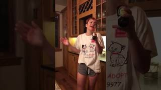 girl from twitter singing 'fly me to the moon'