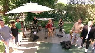 Claudia Leitte canta Amor Perfeito no É De Casa