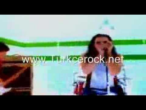 duman-eski-koprunun-altnda-wwwturkcerocknet-turkcerock