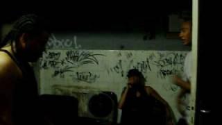 Pedro mo, Nesio de Callao cartel y Shantall haciendo un free en el estudio de MO