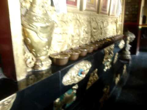 18 Juan Lázara y Shreekrishna en monasterio Swayambhunath