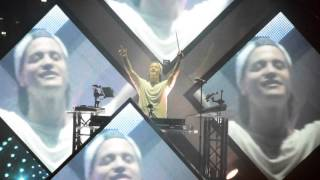 """Kygo, Dillon Francis """"Coming Over"""" ft James Hersey at the Greek Theater"""