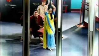 MCA VII   Vive o Teu Verão  Os alunas dançam danças indianas no workshop de dança