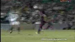 Amazing Shoulder Trick by Ronaldinho!