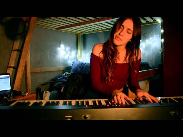 Video oficial de Lucia Galindo Cover de Zahara Con las ganas