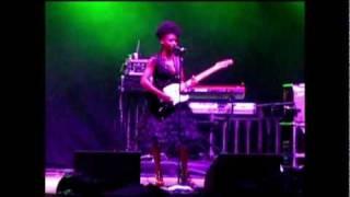 Skye - Trigger Hippie [Morcheeba] (Live In Moscow 26.10.2009)