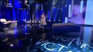 VICTOR VICTORIA - Arisa e la cover di 'E la luna bussò' di Loredana Bertè