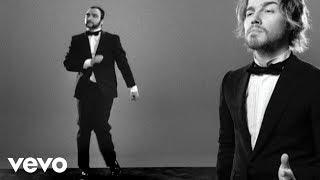 Julien Doré - Les limites (Julien chante / le Barbu danse)