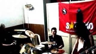 """05 - """"Paranoid"""" (cover Black Sabbath) - Insignia en el Sandino Rock V"""