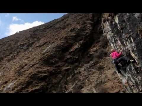 """Las """"8 iniciaciones"""" en el Himalaya. Trekking, escalada,  parapente, kayak, rafting y más…"""