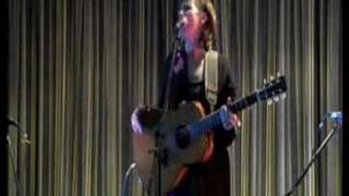 "Christine Collister - ""Quiet"" Live"
