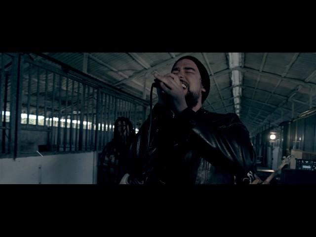 Videoclip de ''End Vs Beginning'', de Rise To Fal.