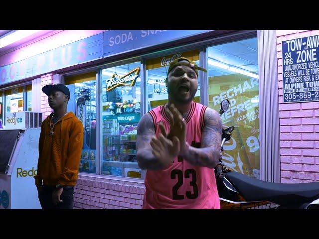 Videoclip oficial de la canción Más Dinero, Más Problemas