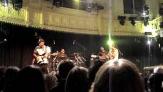 Ayo - Life is real (live at Paradiso 21 april 2009)