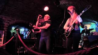 Twist and Shout - MonaLisa Twins ft. Mike Sweeney (Bert Russell/The Beatles Cover)
