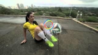 Raquel Benetti - Freestyle Football São Paulo 2016 - Amazing Female Freestyler from Brazil