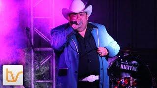 Qué Casualidad - El Coyote Y Su Banda Tierra Santa (en vivo)