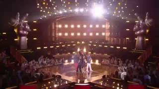 """Daddy Yankee y sus 4 finalistas cantan """"Andas en Mi Cabeza"""""""