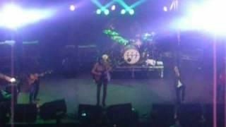 Kasabian - Thick As Thieves (Live @ the Royal Albert Hall 27.03.09)